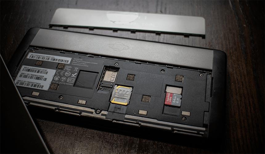 Gemini PDA SIM/microSD装着